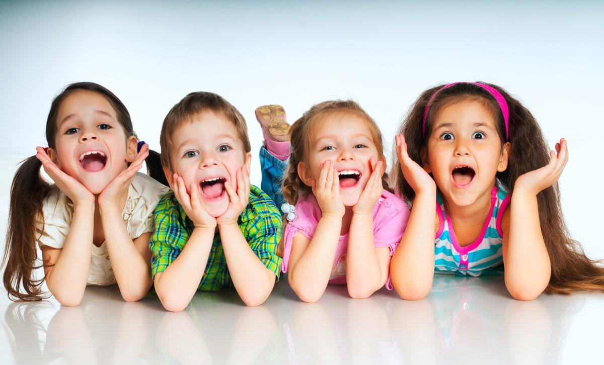 Biurka dla dzieci z regulacją Ergodesk - zdrowy wybór dla dziecka