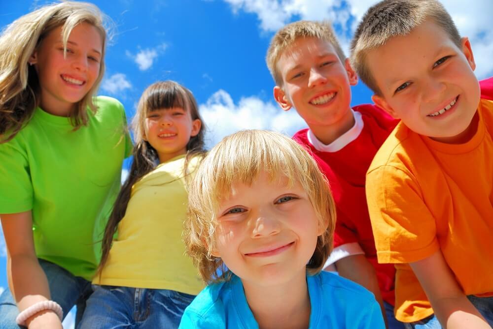 Biurko dla dzieci z regulowaną wysokością jak dodatkowy W-F